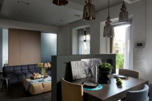 μικρό ισόγειο διαμέρισμα