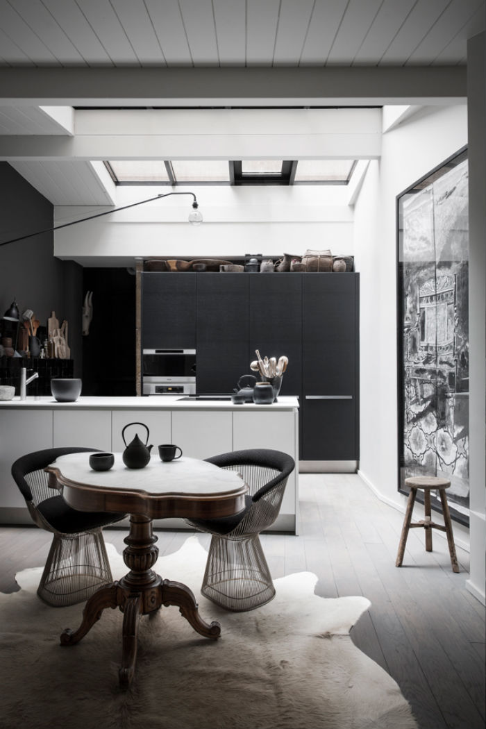 black_apartment_1