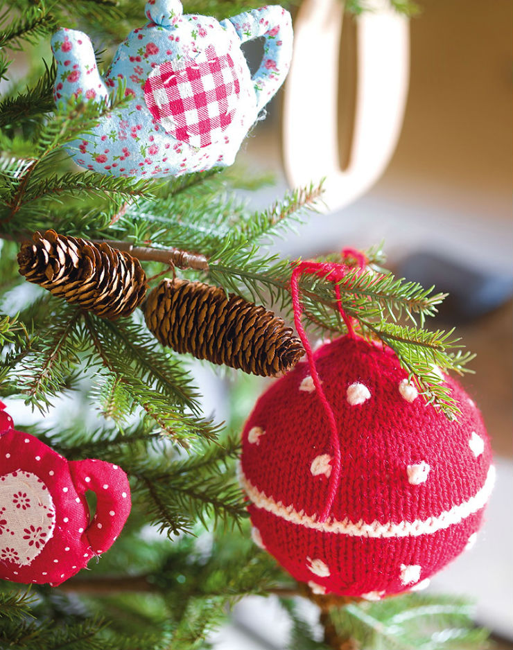 πλεκτές χριστουγεννιάτικες μπαλες
