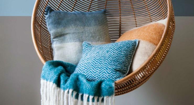 Χρωματικοί συνδυασμοί: Θερμά γκρι και μπλε