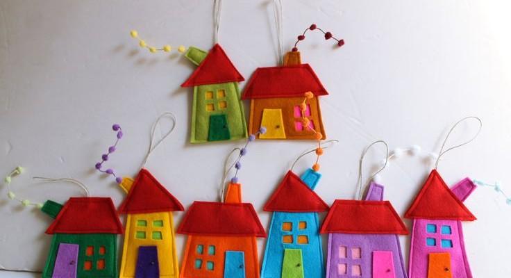 Χριστουγεννιάτικες χειροποίητες κατασκευές από τσόχα