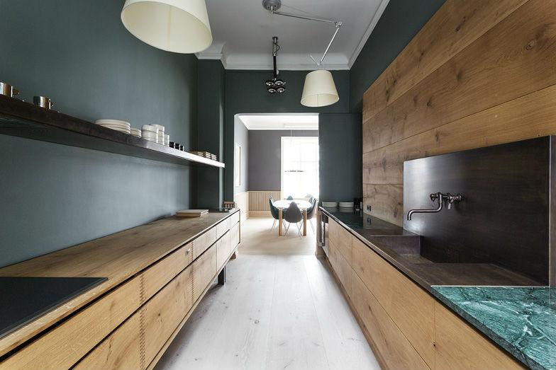 moody_kitchen_2