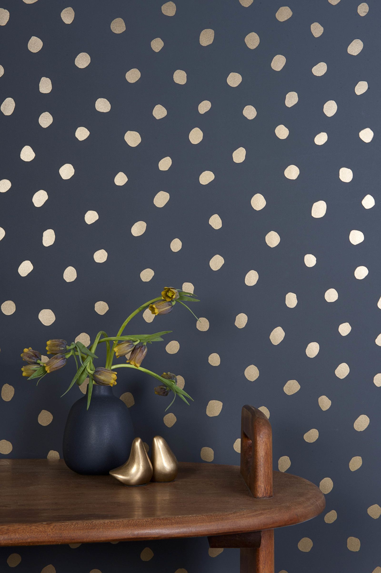 dots_on_walls_4
